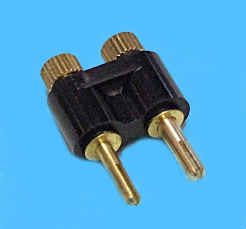 plug for dashboard socket- unequal pin